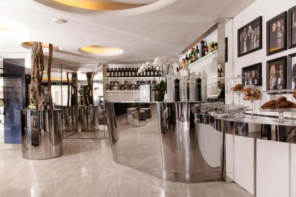 Flair-studio Cavalli Cafe St Tropez